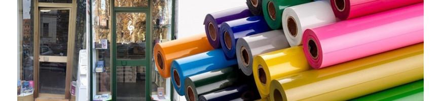 Cambiare colore ai serramenti con una pellicola adesiva