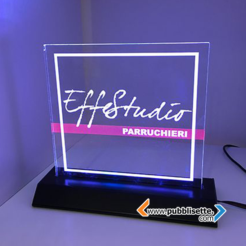 targa in plexiglass luminosa
